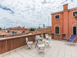 San Lorenzo Terrace apartment, Venice