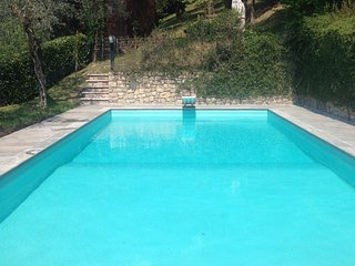 Wonderful villa with Pool, private garden, AC, WIFI, garage in Gardone Riviera