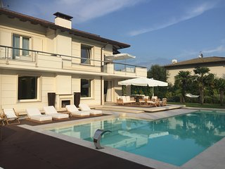 *LAST MINUTE* Villa Diamante near beach clubs, Forte dei Marmi