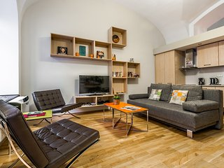 Modern, central, home away from home 1 bedroom apt, Budapeste