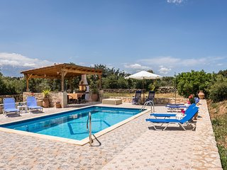 Villa Calypso with privacy next to Almyrida - 10% discount for April & May