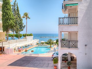 2b Seaview with Pool - Apollonia Beach