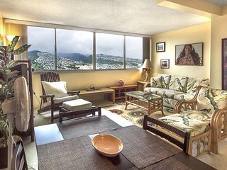 Island Colony #3901-1 Bedroom Condo with Diamond Head and Ocean Views!