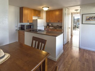 Island Colony 2202-Renovated 1 Bedroom Condo that Sleeps 4!