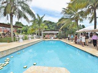 Mansion Hacienda Villa Bonita- all the utilities, pool, jacuzzi Sleeps up to 50!