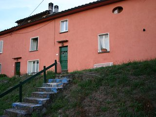 casa tipica toscana  a km 6 da Lucca, Ponte a Moriano