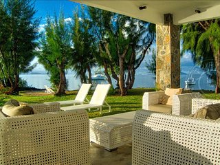 PARA Paradise Point - luxury villa on a peninsula, Calodyne