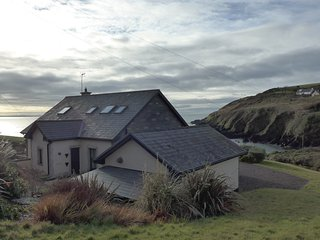 Ballycotton holiday cottage next to the beach.