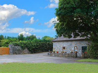 Traditional Irish Stone Cottage, Kilchreest