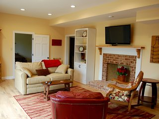 Lovely Guest Suite with beautiful views, Charlottesville