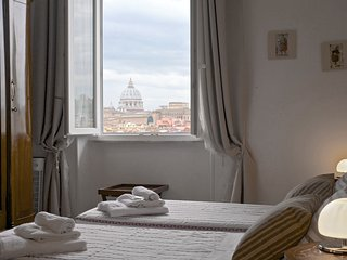Fine apartment and great St Peter's view in the center of Rome...What Else!, Roma