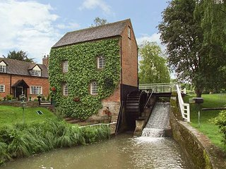 GRAFTON MILL, Grade II listed, character features, WiFi, Grafton Flyford, Ref 930672, Inkberrow