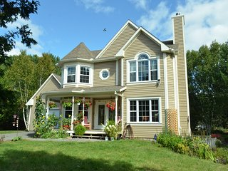 Tremblant Family 4BRs Villa,Comfy beds, Full Kitchen, up to 9,NO PET