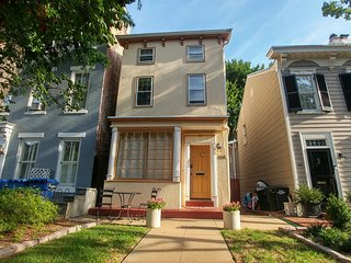 (East Cap #3) Charming studio 3 blocks to Capitol, Washington DC
