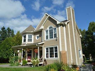 BB Saffron Tremblant, 4BR/3BA, Fits 7-9 Guests, Pets Ok, Rental Entire Villa