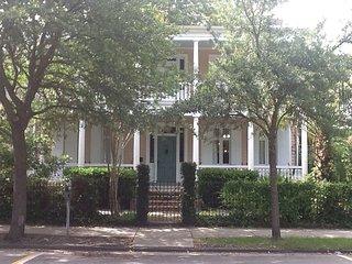 4B, Charleston