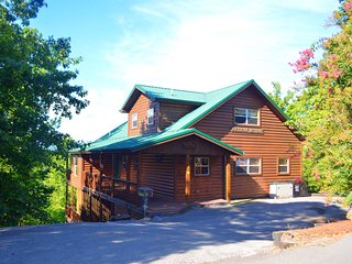 Buckhorn Retreat~ AMAZING mountain views!, Gatlinburg