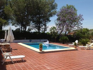 Spacious Villa with Pool, Privacy and Wi-Fi, Monserrat