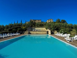 Relax nel Borgo Monaci-Relax sulle crete senesi