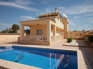 R07 Beautiful prestige detached villa, La Marina