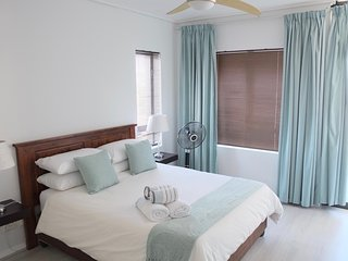 2 bedroom Suite with Table Mountain view, Cape Town Central