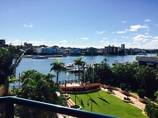 Luxury Living in Kangaroo Point (Private Room), Brisbane