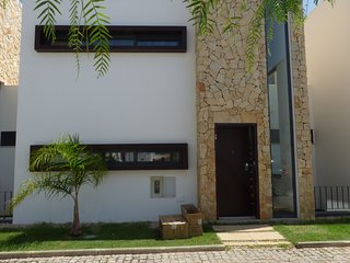 Villa 2 Bedroom Exclusive location, Olhos de Agua