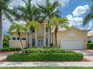 Waterfront home w/ heated pool, hot tub & second floor balcony, Marco Island