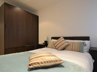 Modern 2 bedroom apartment in Chiswick, W4, Londres
