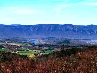 Mountain Escape, Luray