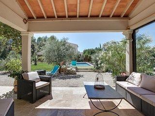 Beautiful villa with a pool near Aix, Aix-en-Provence