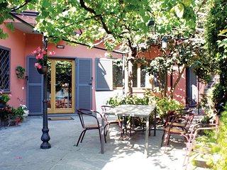 'A casa di Rina' ampia suite in villa con giardino