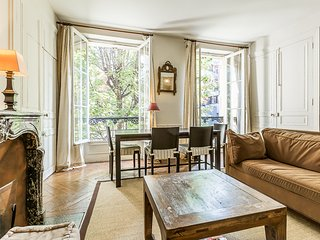 Apartment for 4 in a courtyard - St Germain 6th