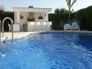 Beautiful 2 Bedroom Villa with private pool