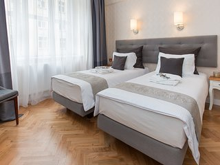 LUXE *NEW*2 bed *2 bath*CENTRAL*A/C, Krakau