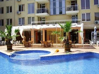 The Cwtch at Balkan Breeze Ground Floor with direct Pool access