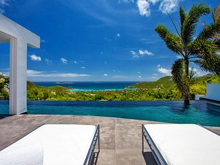 Pure Bliss Modern St Barts Luxury Villa with Breathtaking Ocean Views, Lurin