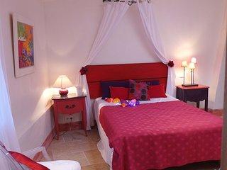 Maison d'artiste au coeur d'un village provençal, Roussillon