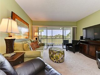Amazing View - 2 Bed 2 Bath Condo on Golf Course