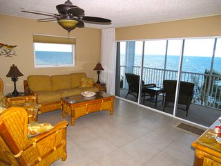 Outstanding Oceanfront Condo on the Beach!!