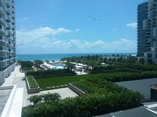 Oceanfront apartment in South Beach, Miami Beach