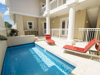 SALER SHORES: 8br Beach Front - Pool - Game Room