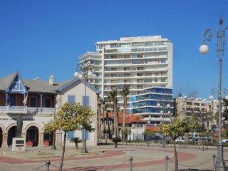 3b Luxury Seaview apartment - Finikoudes Beach