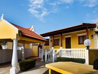 Cunucu Villa with Pool and Private Jacuzzi, Oranjestad