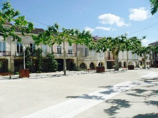 Beautiful house + pool overlooking the old square -PROMO 50%FOR 2ND WEEK, Sos