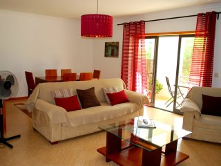 Cozy 2-bedroom apartment at Arrábida Hills, Palmela