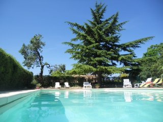 Le Laurier - two bed gite in renovated watermill with pool