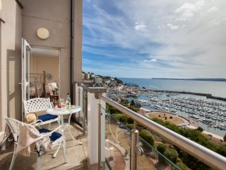 7 Marina Court - A Fabulous Sea View Apartment!, Torquay