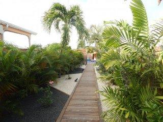Villa moderne avec 3 chambres climatisees piscine au sel et jacuzzi