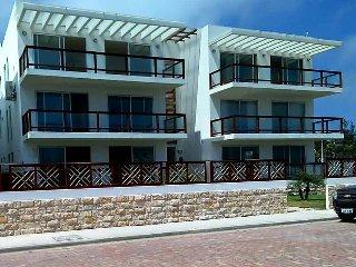 """Beachfront """"Casa Cielo Penthouse"""". Montanita."""